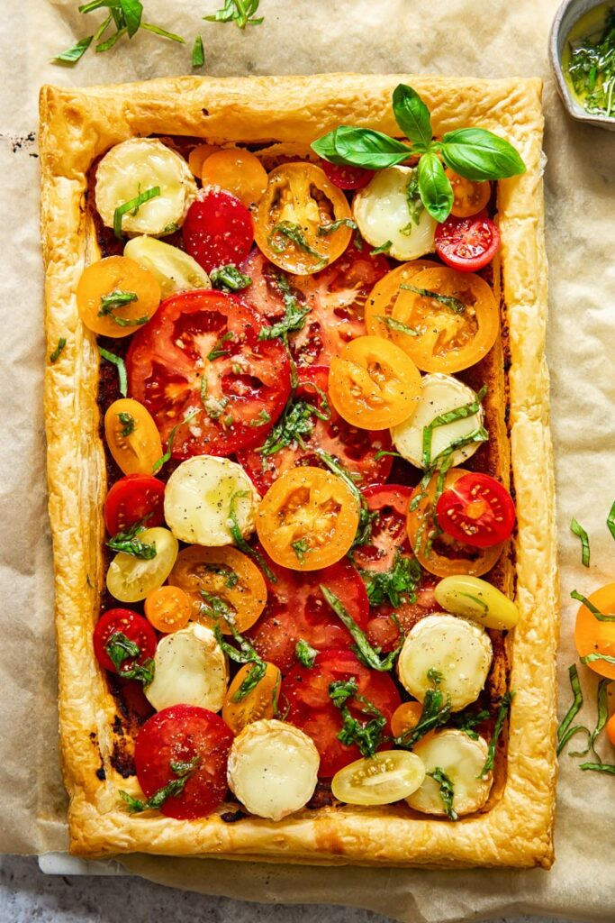 Overhead view of the puff pastry tomato tart